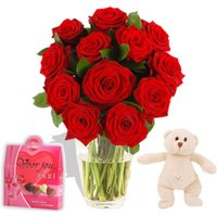Hugs Romantic Gift Set flowers